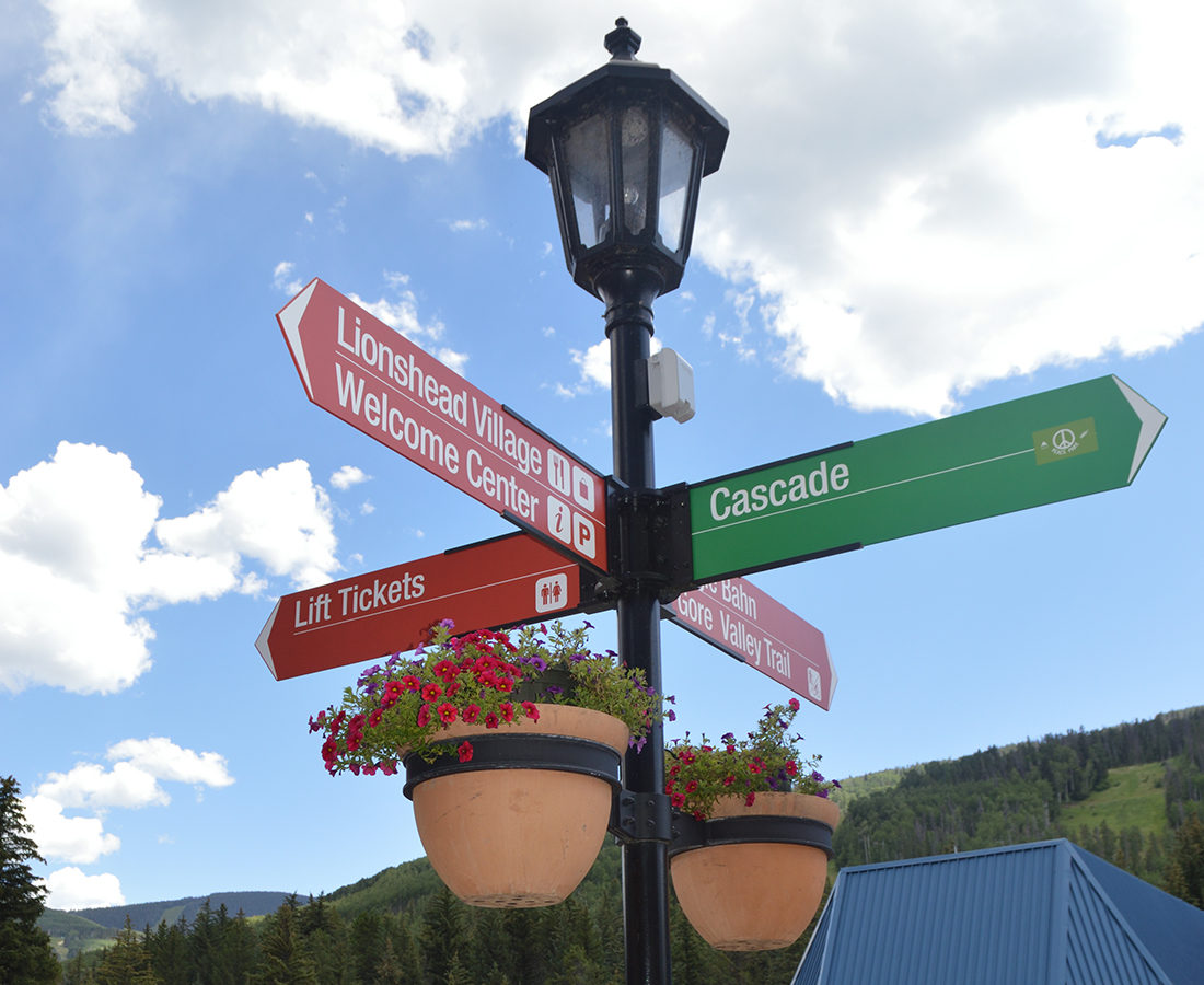 Town of Vail directional arrows