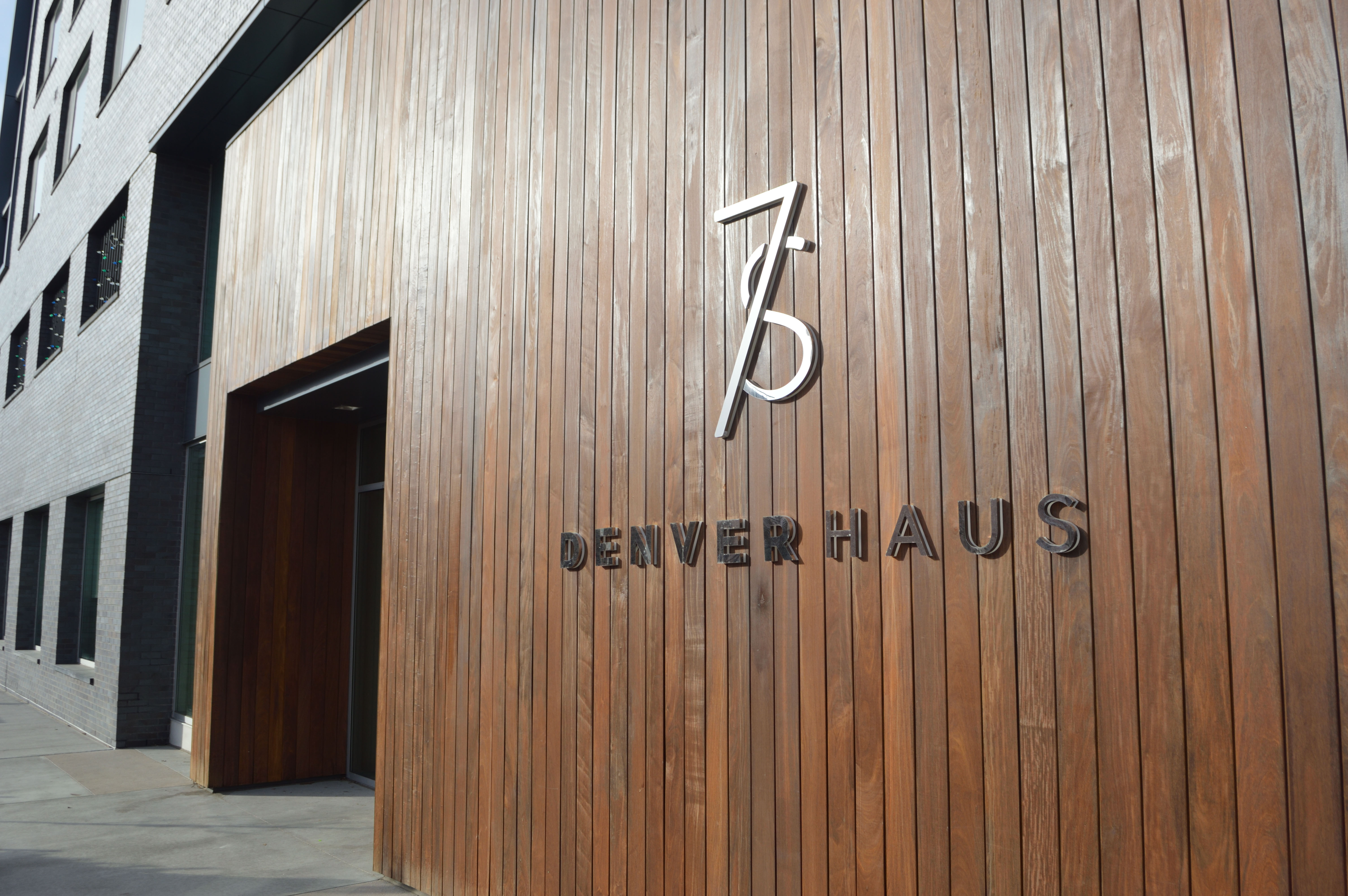 7S Lobby Wall Sign